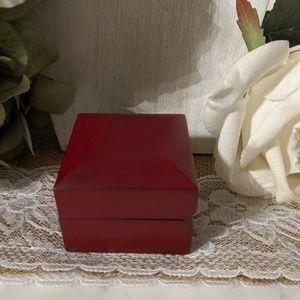 Small wood ring box EUC